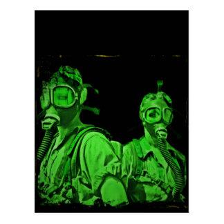 Carte Postale Masques de gaz verts au néon