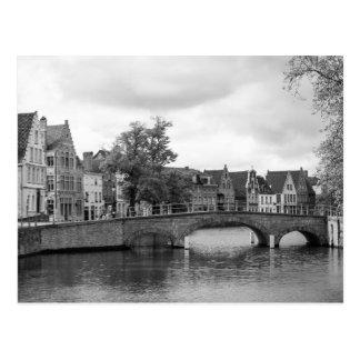 Carte postale médiévale de pont de Bruges