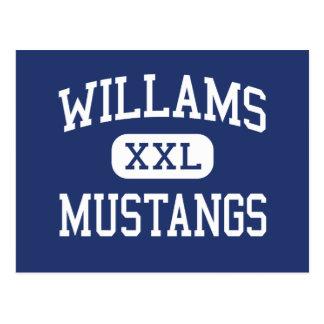 Carte Postale Milieu Fayetteville de mustangs de Willams