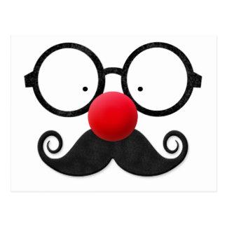 Carte Postale Moustache noire ronde en verre de nez rouge drôle
