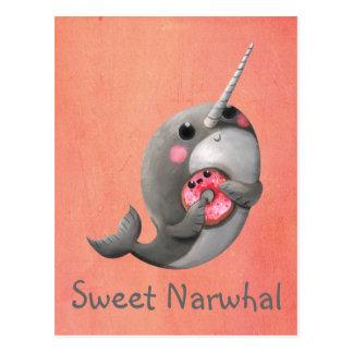 Carte Postale Narwhal timide avec le beignet
