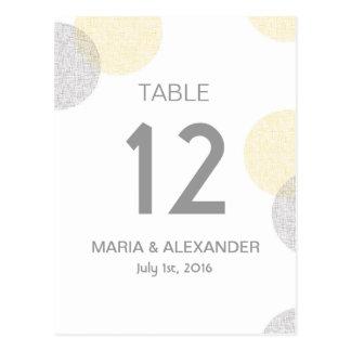 Carte Postale Nombre jaune et gris moderne de table de mariage