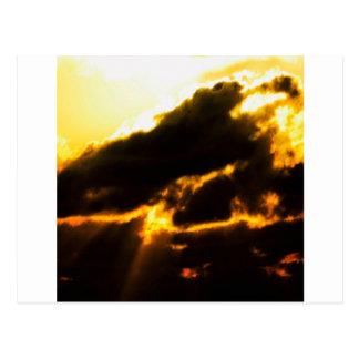 Carte Postale Nuages de lave de ciel