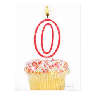 Carte Postale Petit gâteau avec une bougie numérotée