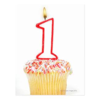 Carte Postale Petit gâteau avec une bougie numérotée 10