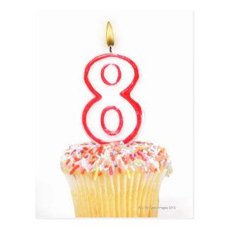Carte Postale Petit gâteau avec une bougie numérotée 5