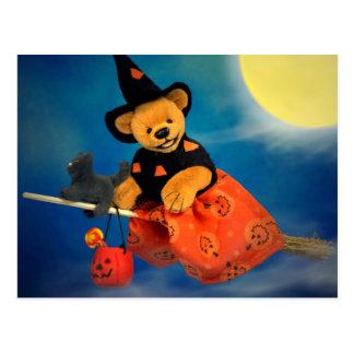 Carte Postale Petits ours pilotant la sorcière