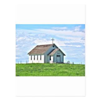 Carte Postale Peu d'église sur la prairie