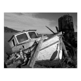 Carte Postale Photo noire et blanche abandonnée de naufrage