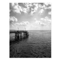 Pilier d'océan en noir et blanc