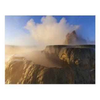 Carte Postale Pilotez le geyser avec la chaîne couverte par
