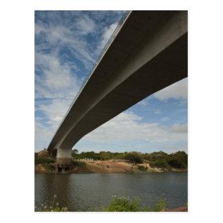 Carte Postale Pont reliant la Guyane au Brésil au-dessus de