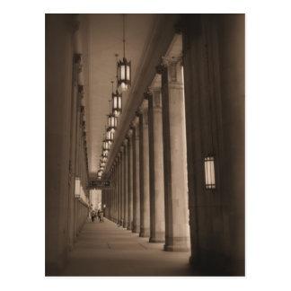 Carte Postale Rangée des piliers - théatre de l'opéra civique -