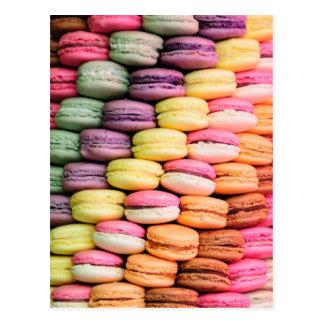 Carte Postale Rayure d'arc-en-ciel des biscuits empilés de