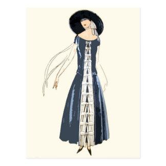 Carte Postale robe et casquette de la mode des femmes des années