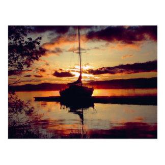 Carte postale rocheuse de coucher du soleil de