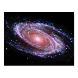 Carte postale rose de galaxie en spirale