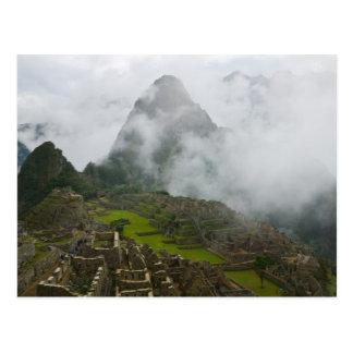 Carte Postale Ruines antiques de Machu Picchu avec les Andes