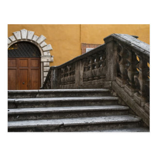 Carte Postale Sienna, Toscane, Italie - vue d'angle faible de