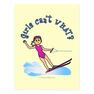 Carte Postale Skieur féminin blond de l'eau