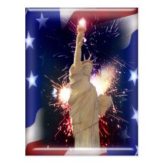Carte Postale Statue de la liberté avec des feux d'artifice pour