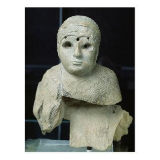 Carte Postale Statuette d'une femme avec le châle, période