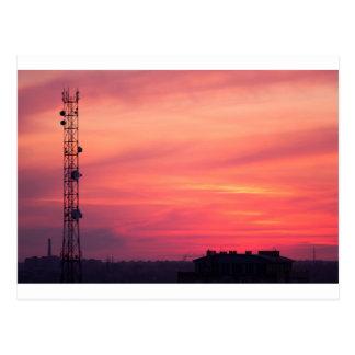 Carte Postale Tour cellulaire au coucher du soleil