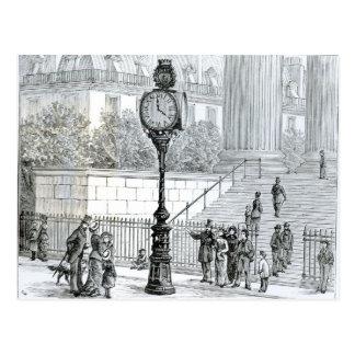 Carte Postale Une foule admire une horloge pneumatique