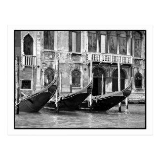 Carte postale vénitienne de gondoles