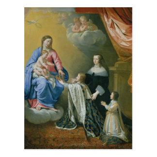 Carte Postale Vierge Marie donne la couronne et le sceptre
