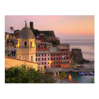 Carte Postale Ville de Hillside de Vernazza le soir, Cinque