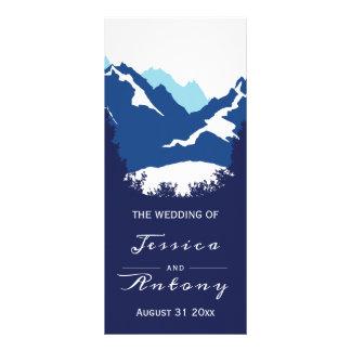 Carte Publicitaire Montagnes bleues et arbres de conifère épousant le