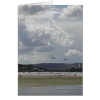 Carte Surfers de cerf-volant. Vue pittoresque