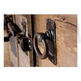 Carte Traction antique rustique et verrou de porte