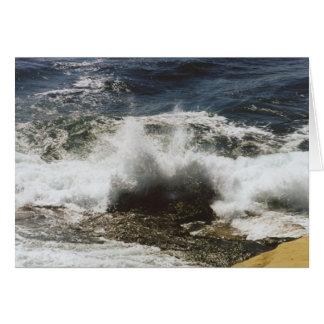 Carte Vagues se cassant à la plage de coquillage