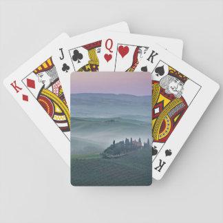 Cartes À Jouer Lever de soleil au-dessus des cartes d'un paysage