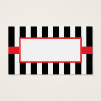 Cartes orientées de noir, blanches et rouges