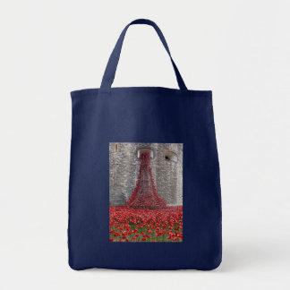 Cascade de pavots - tour de Londres Tote Bag