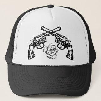 Casquette armes à feu et roses