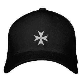 Casquette brodé blanc de croix maltaise