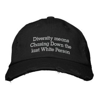 Casquette Brodée Moyens de diversité chassant en bas de la dernière