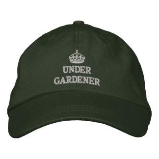 Casquette Brodée Sous le jardinier avec la couronne