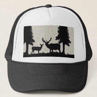 Casquette Cerfs communs dans la forêt