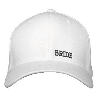 Casquette de blanc de jeune mariée