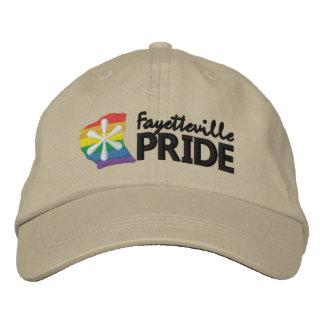 Casquette de logo de fierté de Fayetteville
