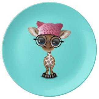 Casquette de port de chat de girafe mignonne de assiette en porcelaine