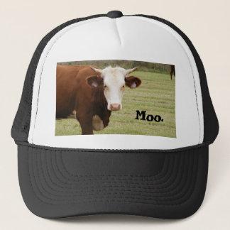 """Casquette de vache : """"MOO. """""""
