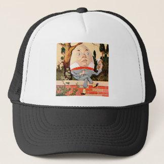Casquette Humpty Dumpty SAT sur un mur au pays des