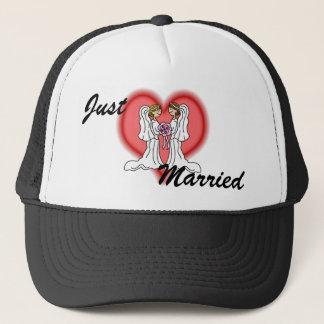 Casquette Mariage lesbien