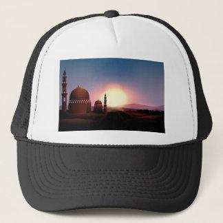 Casquette Mosquée sur le champ au coucher du soleil